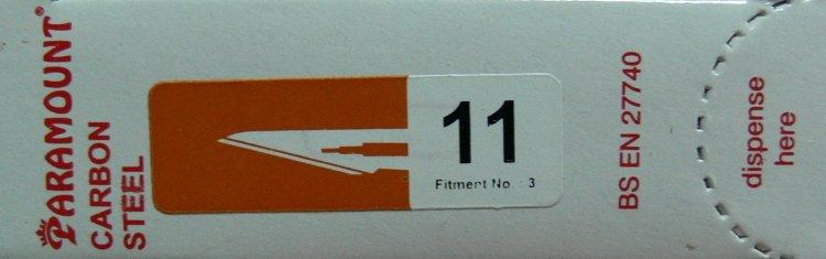 PARAMOUNT Čepelka skalpelová sterilní karbonová tvar 11 - Kleště a nůžky na nehty a kůži pro manikúru a pedikúru, pinzety, pilníky, atd. Skalpelové čepelky karbonové, držátka čepelek