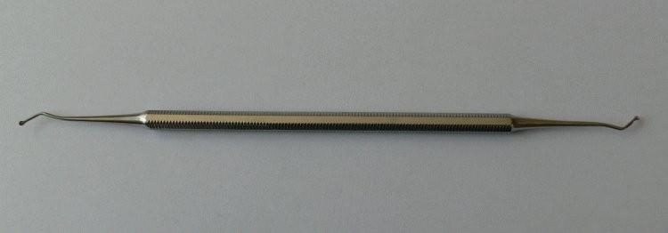 Exkavátor oboustranný s lžičkou - Kleště a nůžky na nehty a kůži pro manikúru a pedikúru, pinzety, pilníky, atd. Ostatní nástroje a příslušenství pro pedikúru