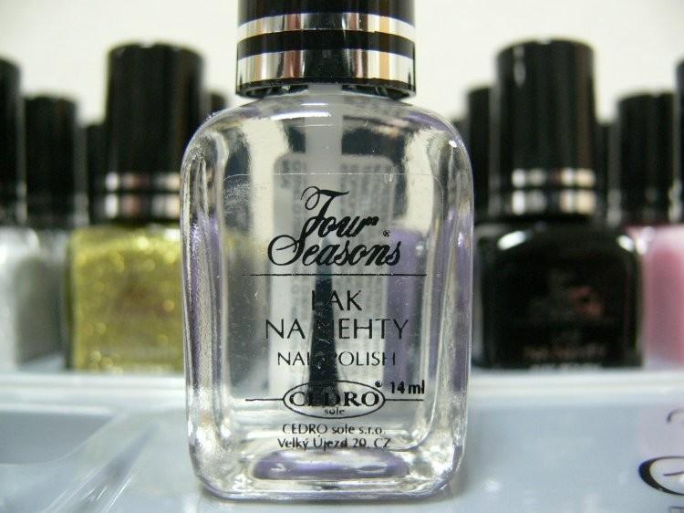 Four Seasons Lak na nehty FS odstín 19 bezbarvý průhledný lak 14 ml