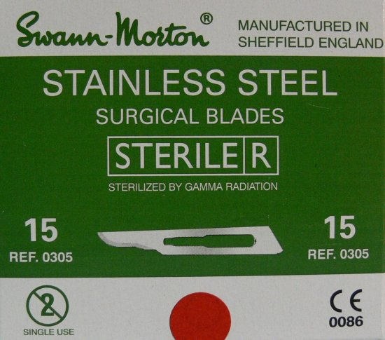 SWANN MORTON Čepelka skalpelová sterilní nerezová tvar 15 - Kleště a nůžky na nehty a kůži pro manikúru a pedikúru, pinzety, pilníky, atd. Skalpelové čepelky nerezové, držátka čepelek
