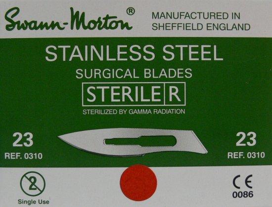 SWANN MORTON Čepelka skalpelová sterilní nerezová tvar 23 - Kleště a nůžky na nehty a kůži pro manikúru a pedikúru, pinzety, pilníky, atd. Skalpelové čepelky nerezové, držátka čepelek