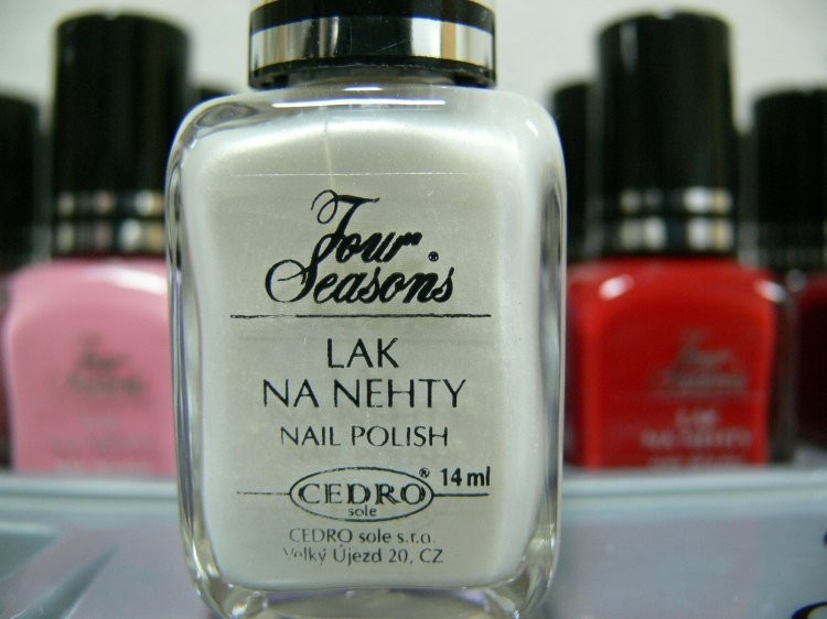 Four Seasons Lak na nehty FS odstín 01 perleťový lak 14 ml - Laky na nehty Laky na nehty Cedro - Four Seasons