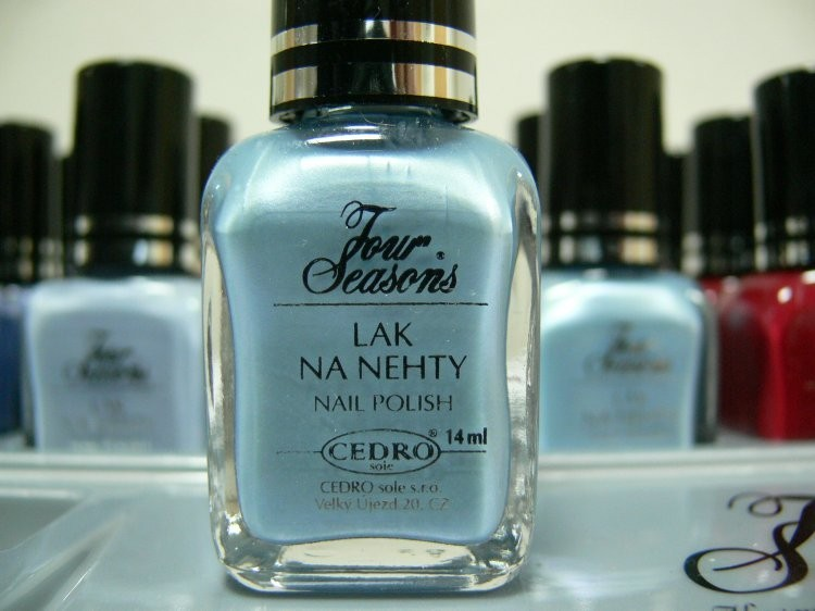 Four Seasons Lak na nehty FS odstín 49 perleťový lak 14 ml - Laky na nehty Laky na nehty Cedro - Four Seasons