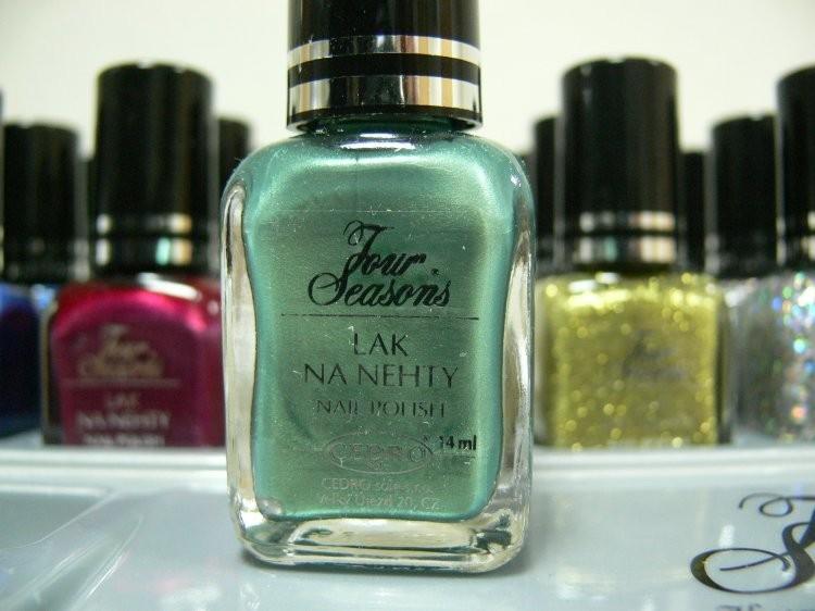 Four Seasons Lak na nehty FS odstín 56 perleťový lak s matovým prachem 14 ml - Laky na nehty Laky na nehty Cedro - Four Seasons
