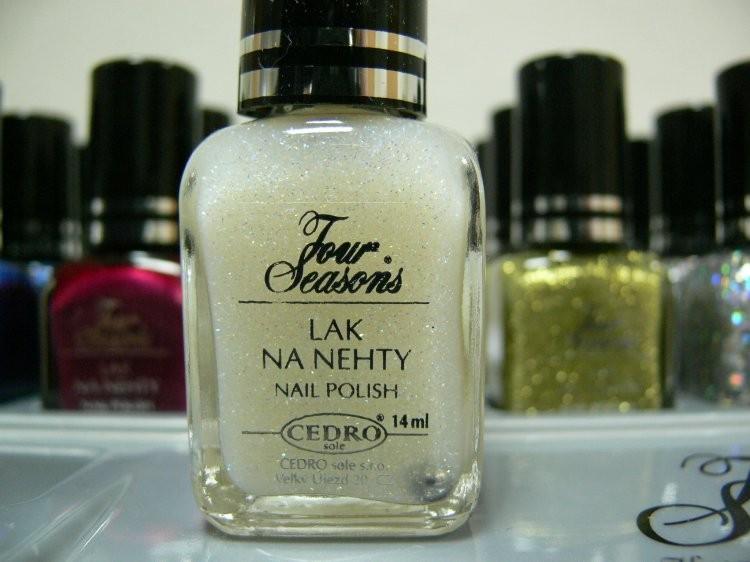 Four Seasons Lak na nehty FS odstín 59 glitterový lak 14 ml